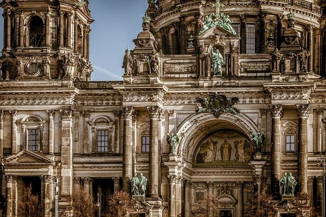 Närbild på Berliner Dom